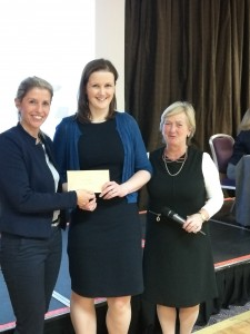 MSD Representative Natasha Friess & ISCM President, Dr Eleanor McNamara congratulate the winner of the oral presentation competition, Dr Sinead O'Donnell