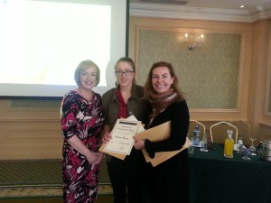 Mary Byrne, winner of oral presentation is congratulated by Connie Merrick (MSD) and Dr Vida Hamilton, National Clinical lead for Sepsis