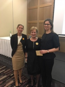 Natasha Friess (MSD) and Dr Eleanor McNamara, ISCM President congratulate Dr Caitriona Hickey oral prize winner